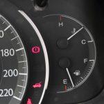 Những lý do bạn không nên đi ôtô còn dưới 1/4 bình xăng?