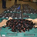 Gần 100 súng trên máy bay được vận chuyển về Việt Nam