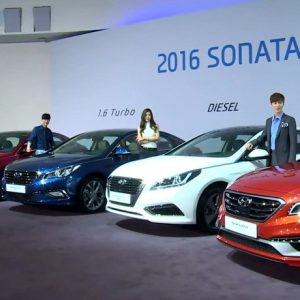xe-hyundai-sonata-2016-phien-ban-nang-cap-moi-model-2017-ra-mat