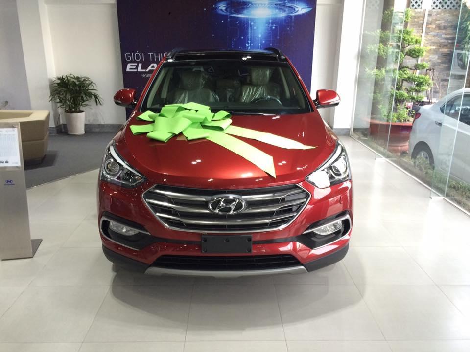 Hyundai Santafe 2016 màu đỏ