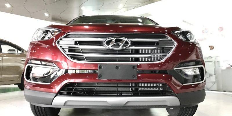 Hyundai Santafe 2017 màu đỏ mận chín