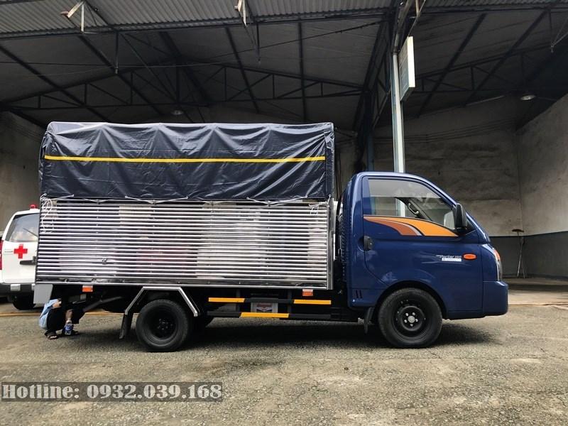 Xe tải Hyundai Porter 1,5 tấn thùng mui bạt