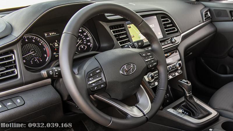 Không gian nội thất Hyundai Elantra Facelift 2020
