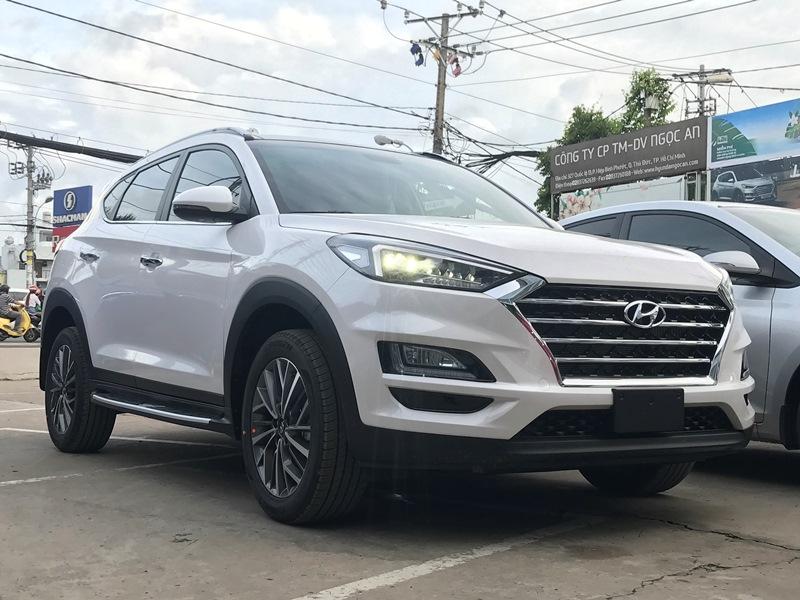 Xe Hyundai Tucson 2020 bản đặc biệt màu trắng