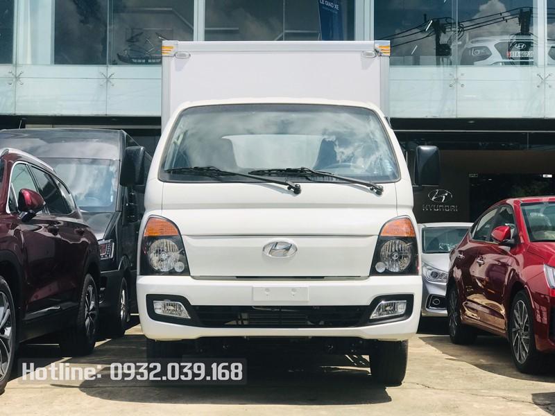 Xe tải Hyundai H150 thùng kín bảo ôn