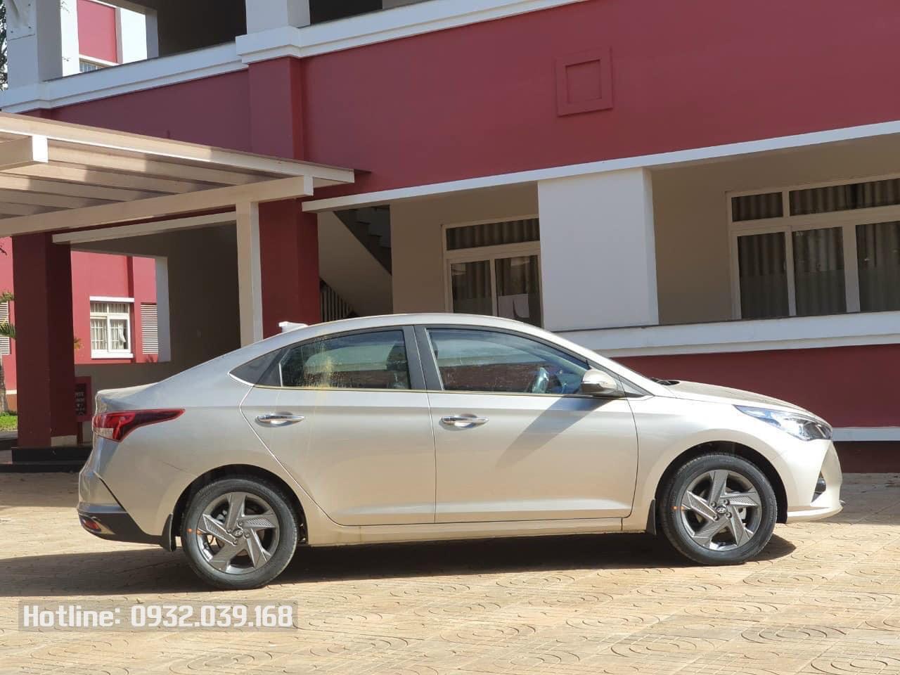 Xe Hyundai Accnet 2021 bản đặc biệt màu Ghi vàng (Be)